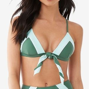 Forever21 NWT Size M Contrast Triangle Bikini Top